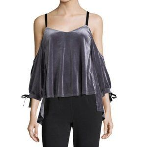 ROMEO & JULIET COUTURE Cold Shoulder Blouse